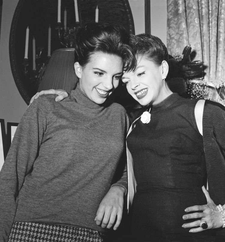 Liza Minnelli with her mother and fellow Oscar winner Judy Garland.